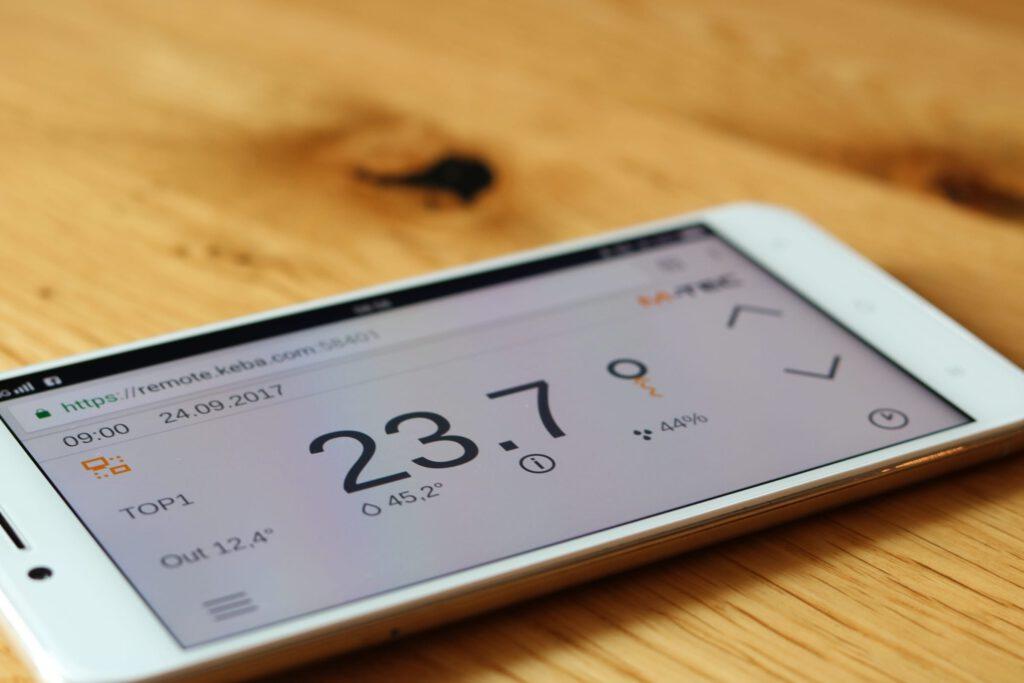 M-TEC Wärmepumpen lassen sich mit dem Handy steuern