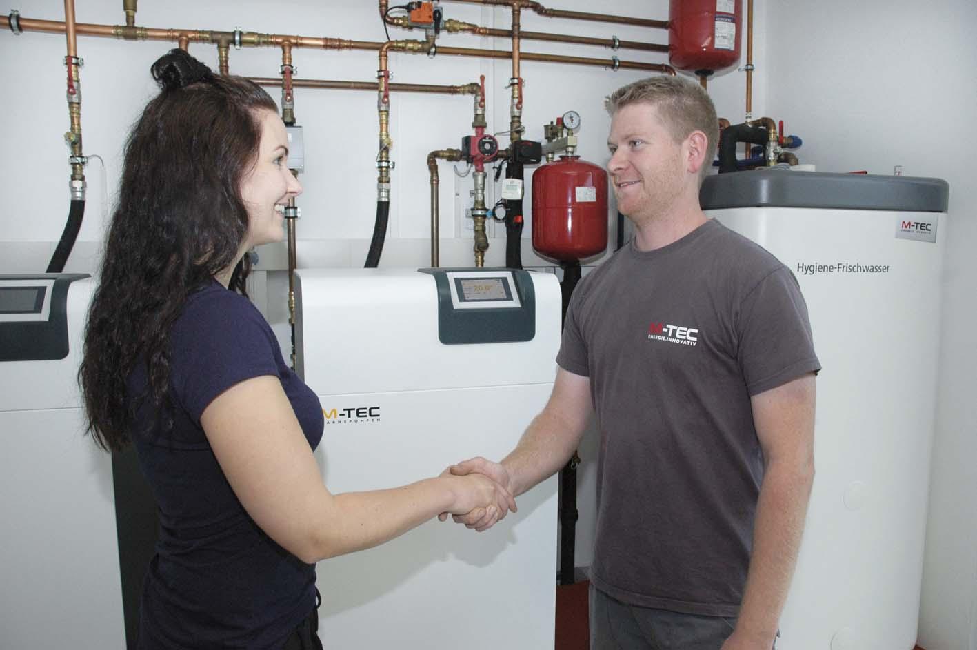 wartung kundendienst m-tec mitarbeiter wärmepumpe service fernwartung fachkraft